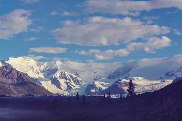 Wrangla-st. park narodowy i rezerwat elias, alaska.