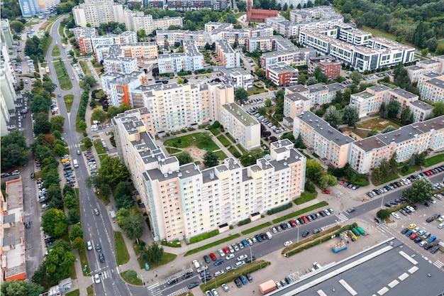 Wrocław z lotu ptaka, osiedla mieszkaniowe, czas letni