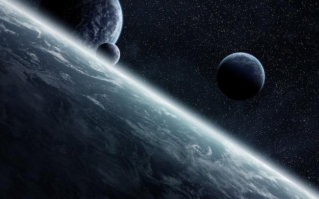 Wschód słońca nad planetami w kosmosie