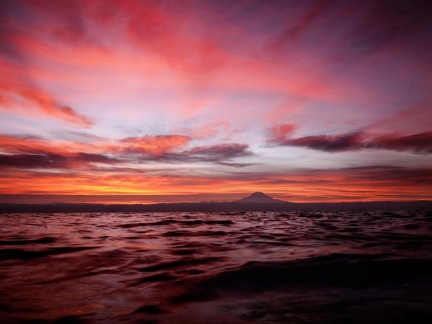 Wschód słońca nad puget sound
