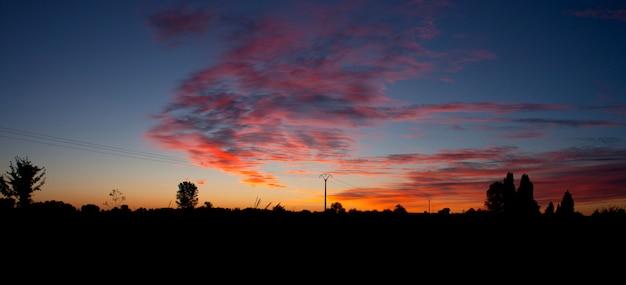 Wschód słońca w hiszpańskiej wsi