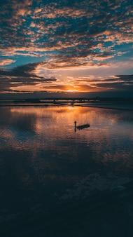 Wschód słońca w lagunie