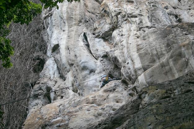Wspinaczka skałkowa to ulubione zajęcie ludzi