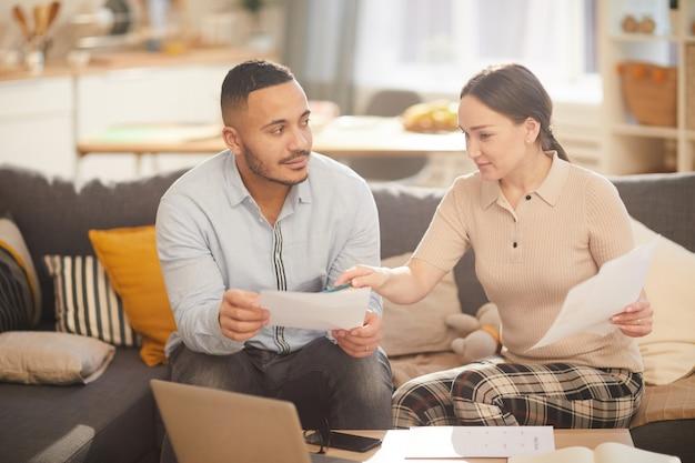 Współczesna rodzina płacąca podatki