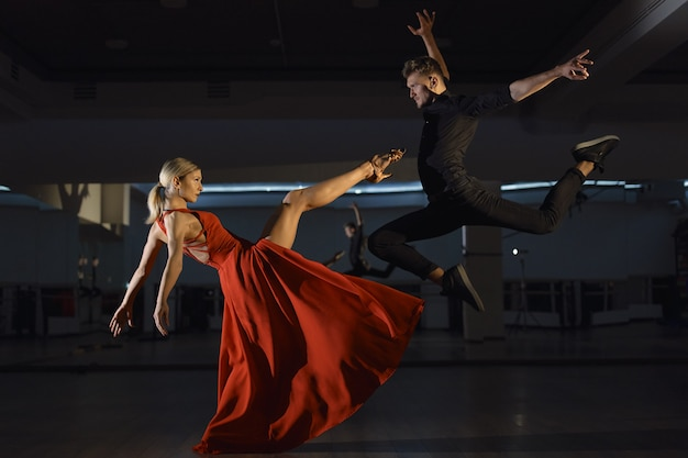 Współczesny taniec namiętny