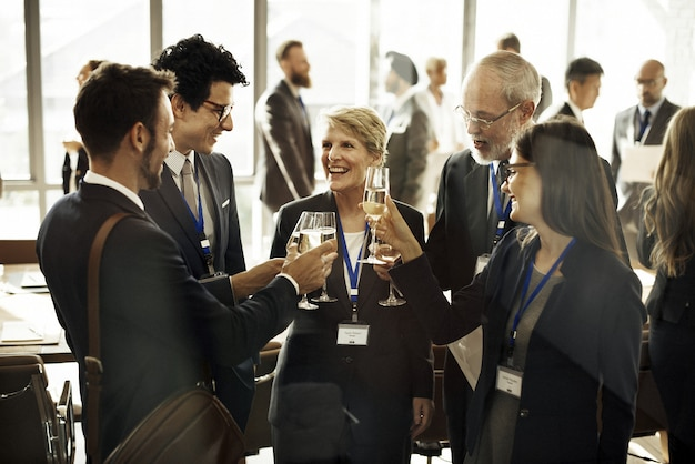 Współpraca spotyka networking pracy zespołowej zabawy pojęcie