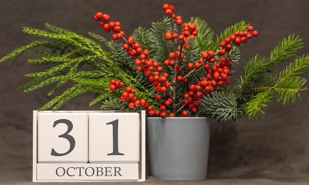Wspomnienie i ważna data 31 października, kalendarz biurkowy - sezon jesienny.