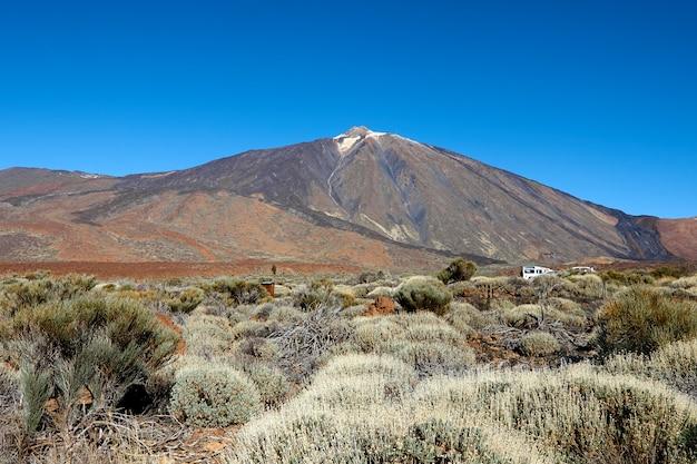 Wulkan teide w krajobraz parku narodowego teneryfy.