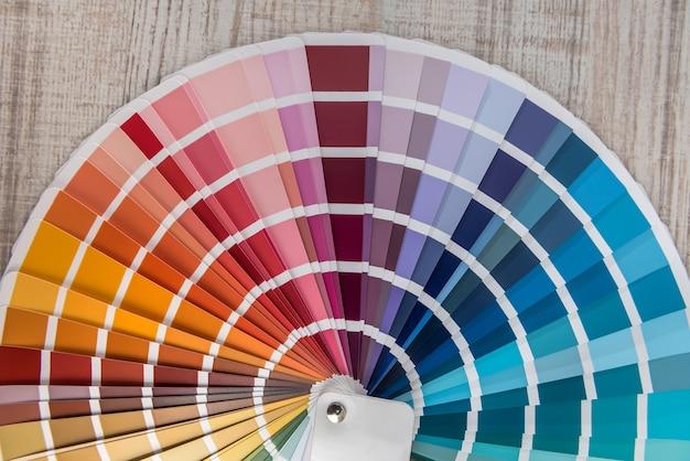 Wybierz kolorowe spektrum papieru do projektowania. paleta kolorów dla wzoru lub tła.