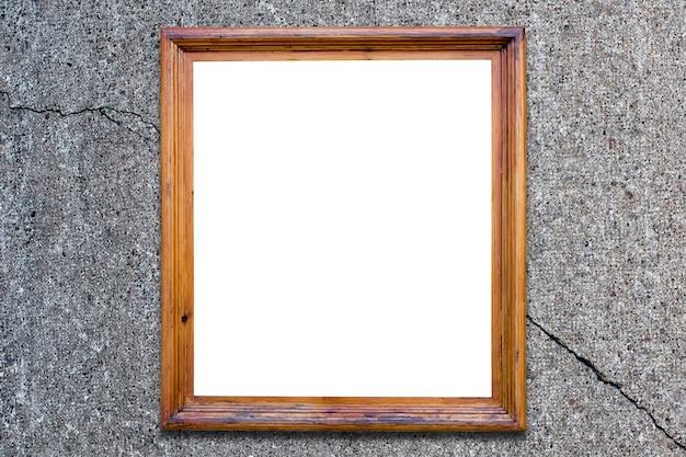 Wybite okno w domu. rozbite szkło
