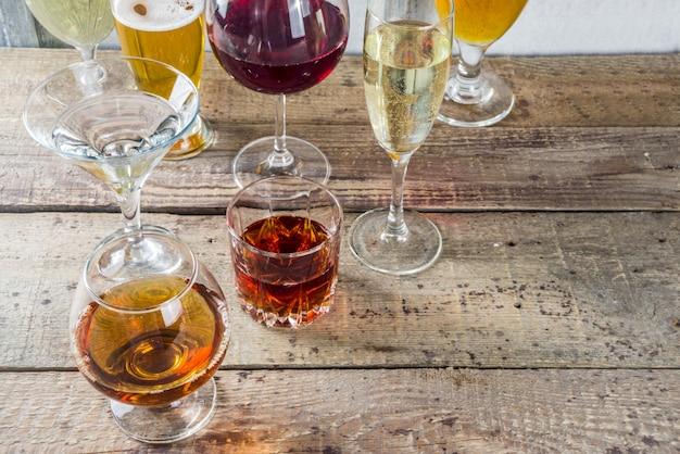 Wybór różnych napojów alkoholowych