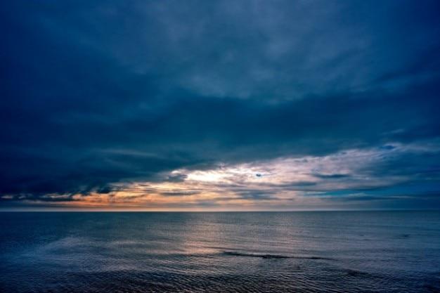Wybrzeże, chmury, hdr