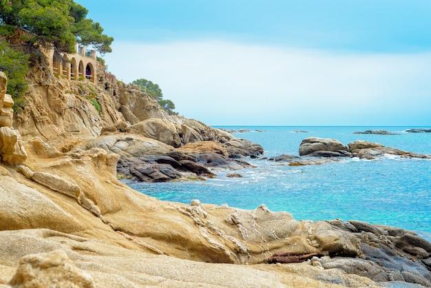 Wybrzeże costa brava, playa de aro, katalonia, hiszpania