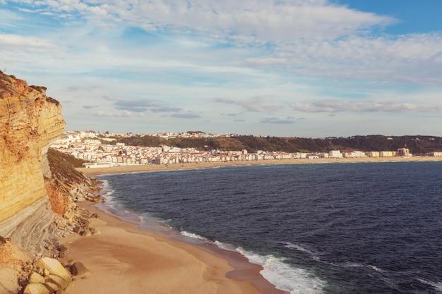 Wybrzeże oceanu atlantyckiego w portugalii