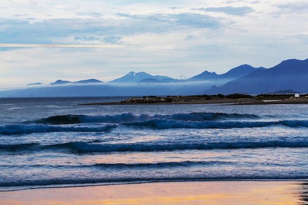 Wybrzeże oceanu spokojnego wzdłuż carretera austral, patagonia, chile