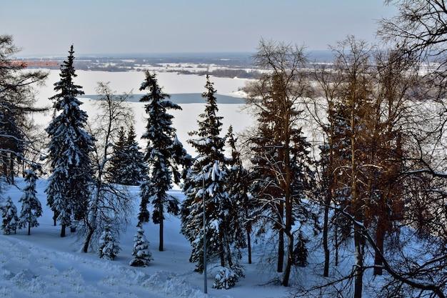 Wybrzeże wołgi zimą