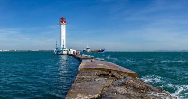 Wycieczka do latarni morskiej woroncowa w odessie na ukrainie