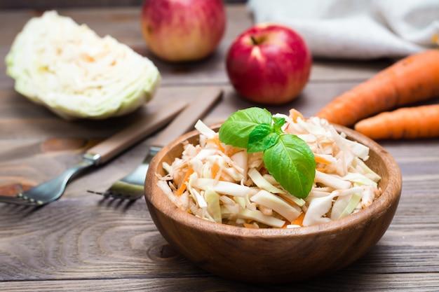 Wykonana amerykańska gotowa sałatka coleslaw