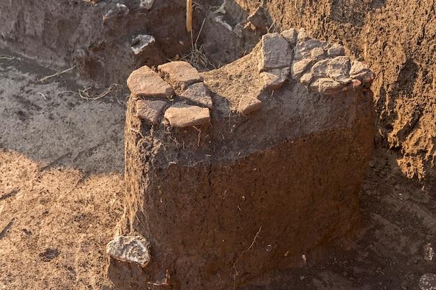 Wykopaliska archeologiczne, pozostałości osady, skamieniałości scytów