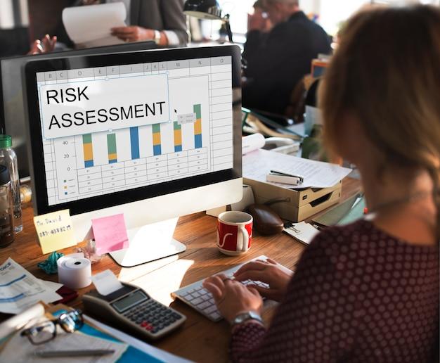 Wykres oceny ryzyka wykres arkusz kalkulacyjny tabela słowo