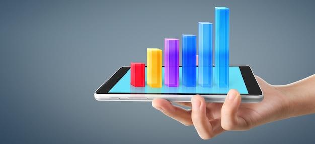 Wykres wzrost i wzrost pozytywnych wskaźników wykresu w jego biznesie z tabletem w dłoni