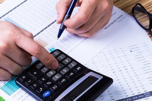 Wykresy i kalkulator