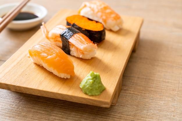 Wymieszać zestaw sushi