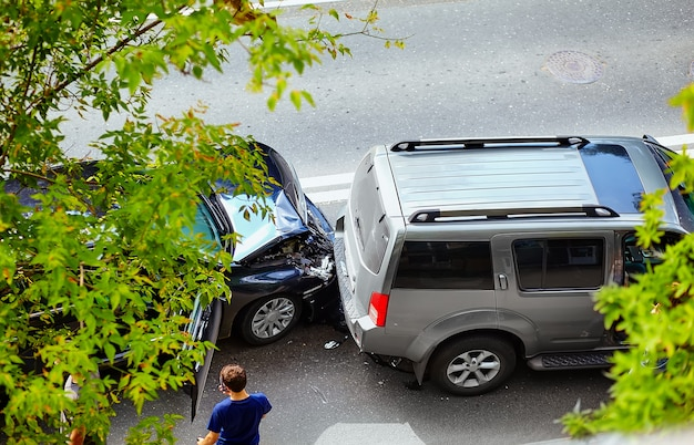 Wypadek samochodowy na ulicy