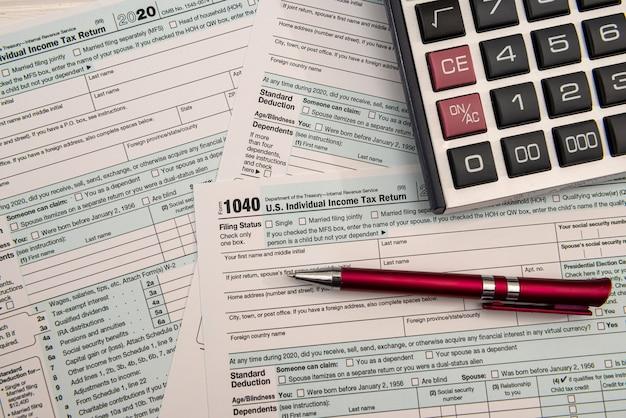 Wypełnienie amerykańskiego indywidualnego zeznania podatkowego 2021 rok, koncepcja