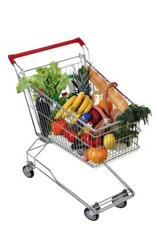 Wypełniony wózek na zakupy żywności na białym.
