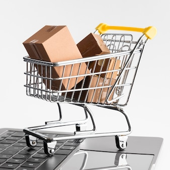 Wyprzedaż zakupów w cyber poniedziałek