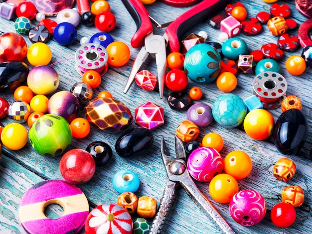 Wyrób biżuterii z koralików