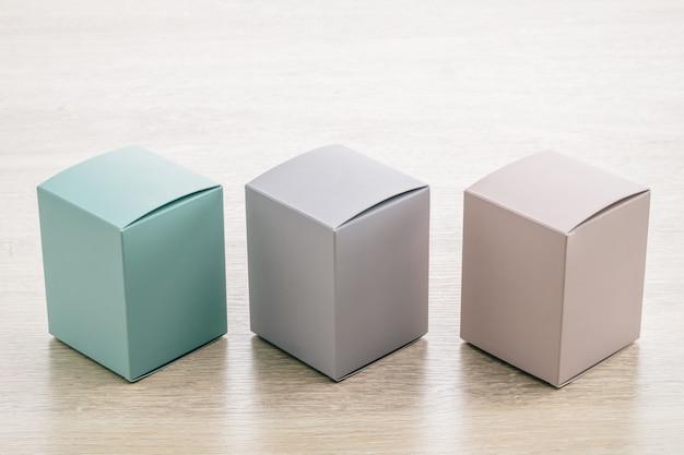 Wyrównaj pudełko z papierem