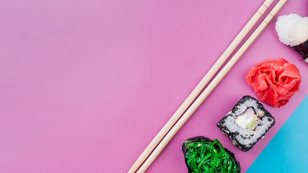 Wyrównane rolki sushi do kopiowania