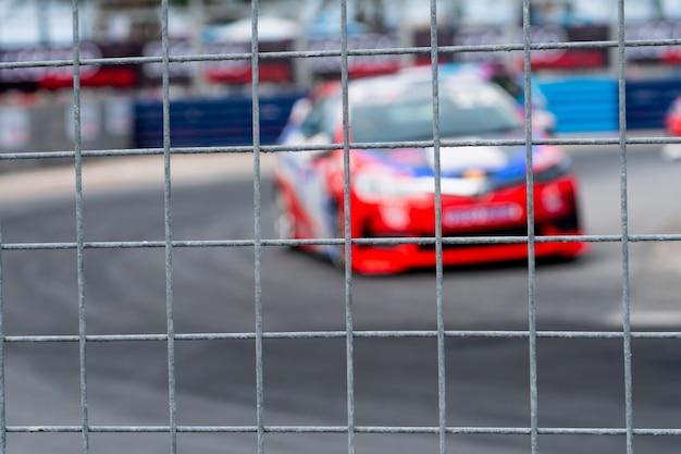 Wyścigi samochodowe motorsport na drodze asfaltowej