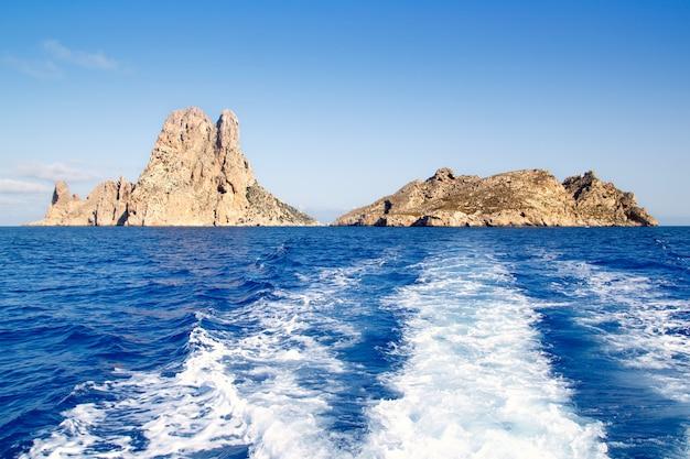 Wysepka es vedra i wyspy vedranell na niebiesko