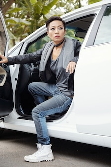 Wysiadać z samochodu