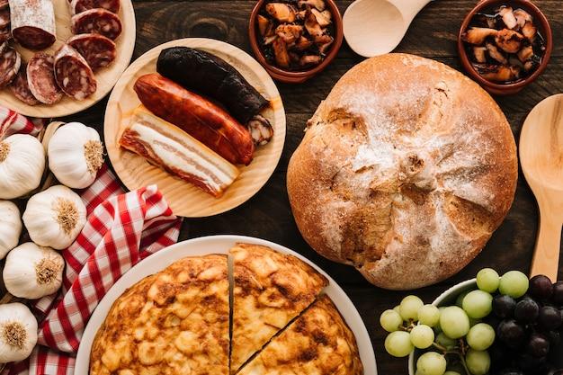 Wyśmienicie jedzenie blisko łyżek i pieluchy