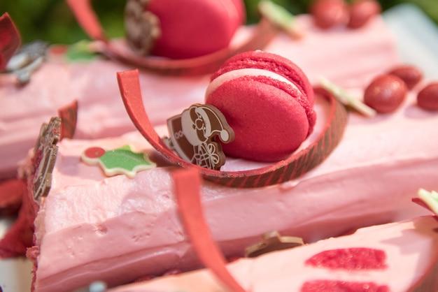 Wyśmienicie różowi macaroons kochanek w wakacje i valentine