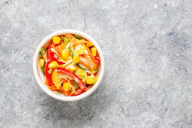 Wyśmienicie zdrowa sałatka z papryki z kurczakiem