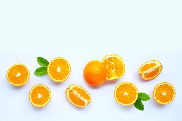 Wysoka witamina c, soczysta i słodka. świeże owoce pomarańczy.