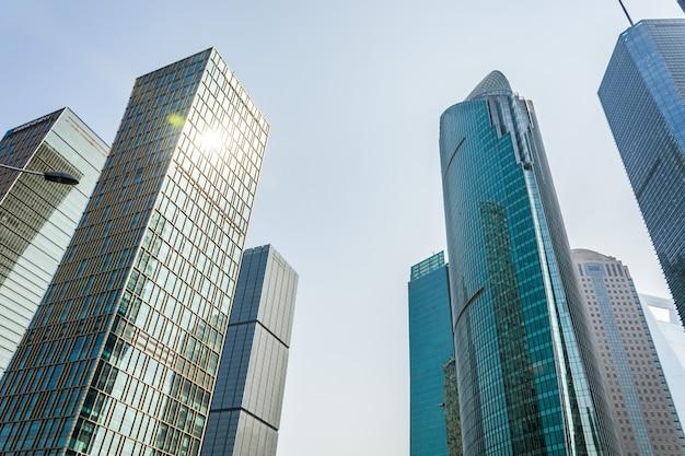 Wysoki budynek śródmieścia budowy budynku