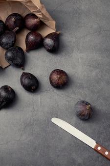 Wysoki kąt fig i noża