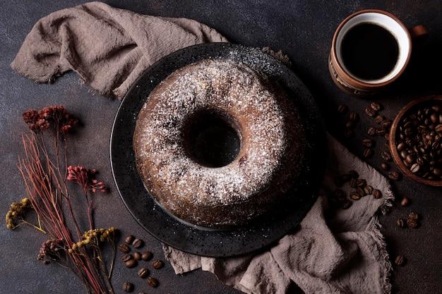 Wysoki kąt koncepcji ciasta czekoladowego
