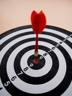 Wysoki kąt strzałki i celu