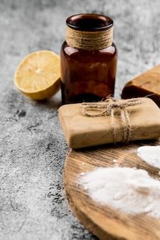 Wysoki widok organicznych środków czyszczących