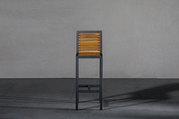 Wysokie krzesło w stylu loft