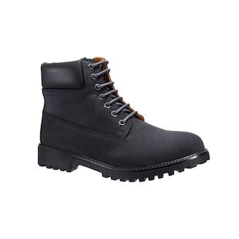 Wysokie skórzane buty ze sznurowadłami na bieżniku na białym tle na białej powierzchni