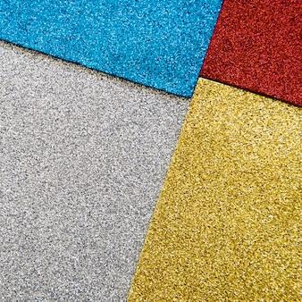 Wysokiego kąta widok wielo- barwioni dywaniki