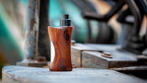 Wysokiej klasy, nadający się do odbudowy, rozpylający atomizer ze stabilizowanymi modami pudełkowymi z drewna orzechowego, urządzeniem vaping